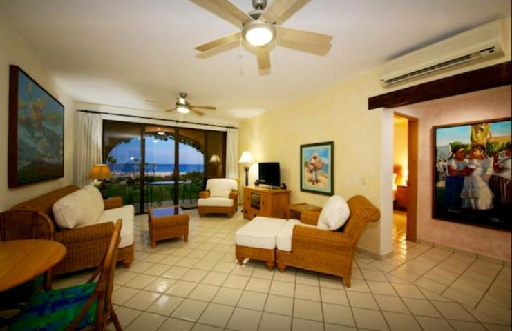 Tortuga 102, 1 BD 1-1/4 BA ph II Beachfront