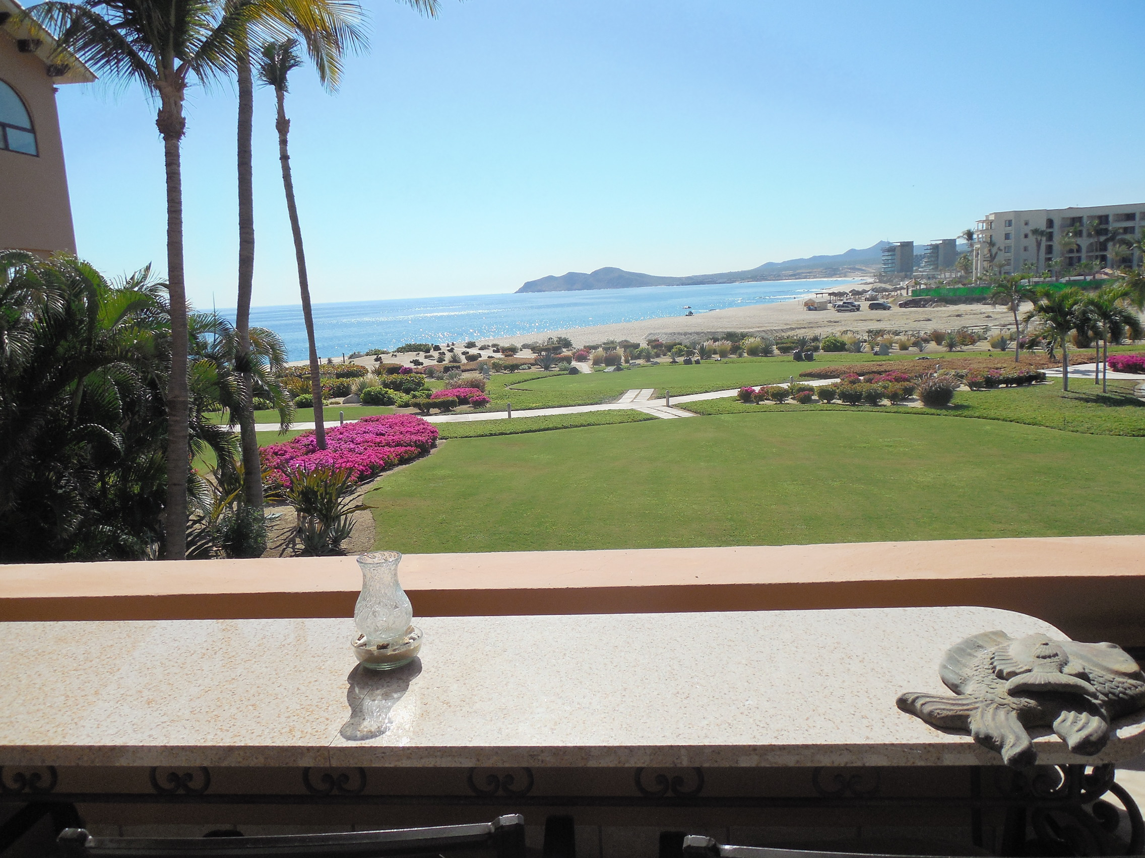 Duna 201 ph II, 2 BDRM 2 BA INCREDIBLE VIEWS REMODELED